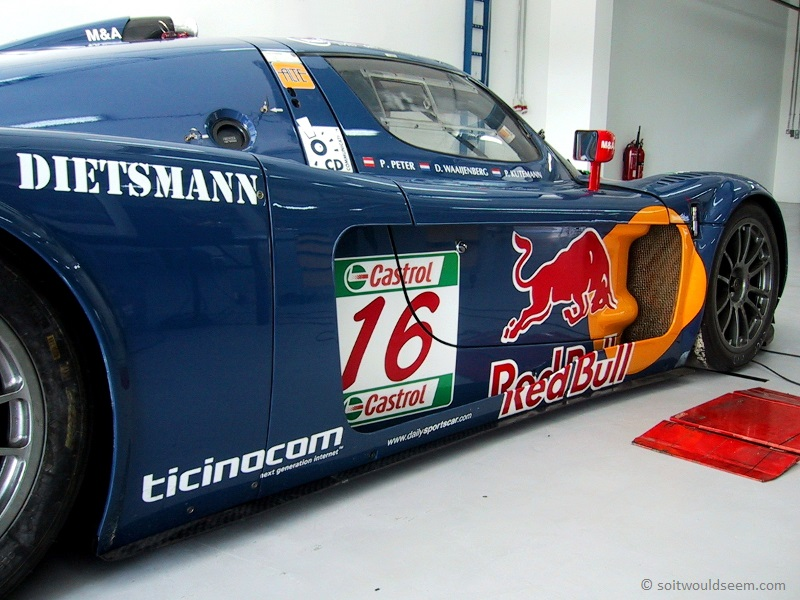 Maserati MC12 in scrutineering at Bahrain 2005 FIA GT championship final