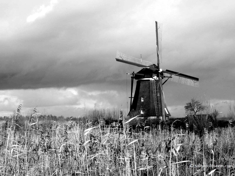 windmill kinderdijk netherlands
